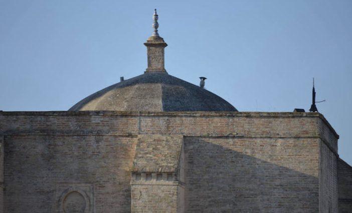 Un rayo sobre la iglesia parroquial de Villalba del Alcor